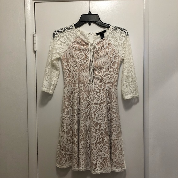 Forever 21 Dresses & Skirts - White Sleeve Lace Dress